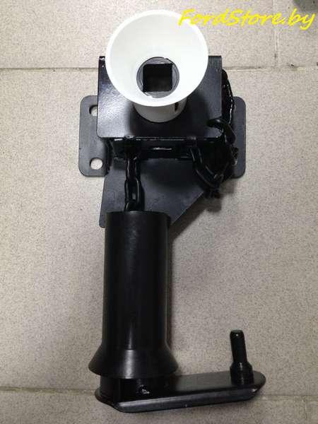 Лебёдка запасного колеса 1